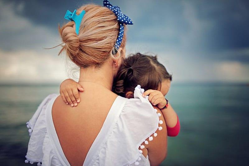 Mulher radical, mãe medricas. Porque quando és mãe ganhas medo.