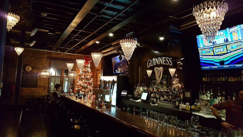 Bar at Uptown Snug