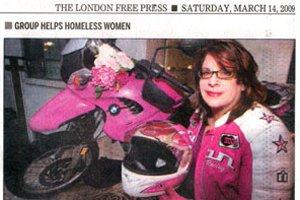 La DG d'Up With Women prononce un discours à London
