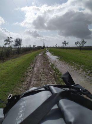 Chemin d'exploitation boueux en Vendée - Uralistan