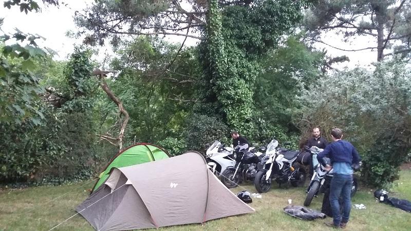 Semaine entre amis, motos et camping en Bretagne