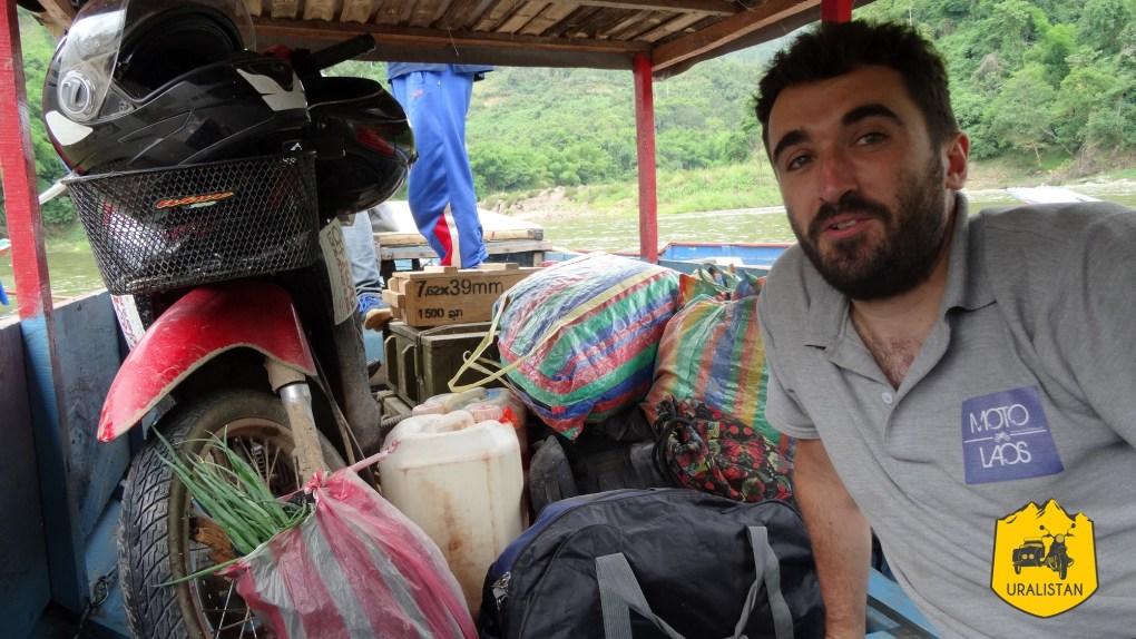 Road-trip moto en vallée NamOuau Laos