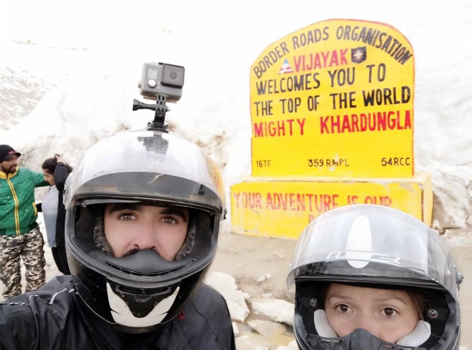 Col du Khardung La, voyage moto dans l'Himalaya; le Ladakh en Royal Enfield