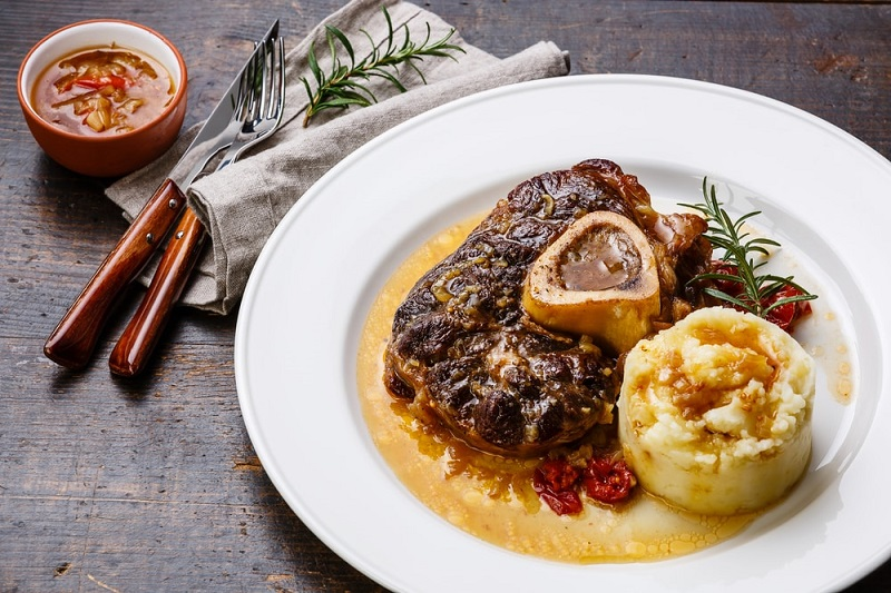 Gastronomie italienne, plat traditionnel d'Italie : Osso buco
