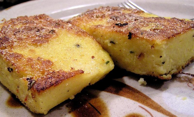 Gastronomie italienne, plat traditionnel d'Italie : Polenta