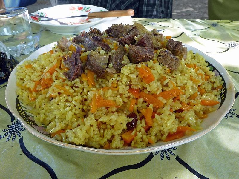 Gastronomie tadjik, plat traditionnel du Tadjikistan : Oshi Plov