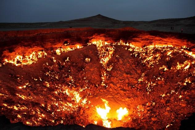 Incontournables turkmènes, Voyage au Turkménistan : Porte de l'Enfer, Darvaza