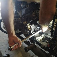 Comment changer l'embrayage d'un side-car ural