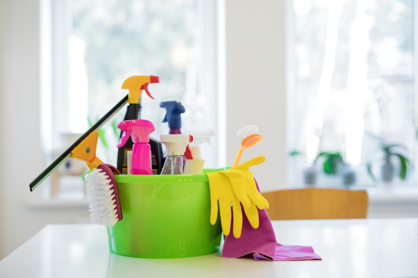 25-Day Spring Cleaning Challenge for Busy People