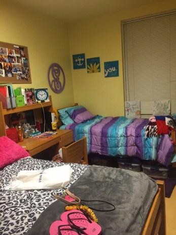 a-fiskette-shares-dorm-room