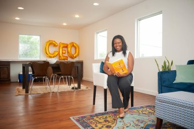 welcome-look-inside-CEO-creative-entrepreneurs-office-nashville7
