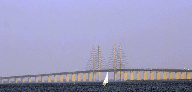 479411-pont-oresund-relie-ville-danoise