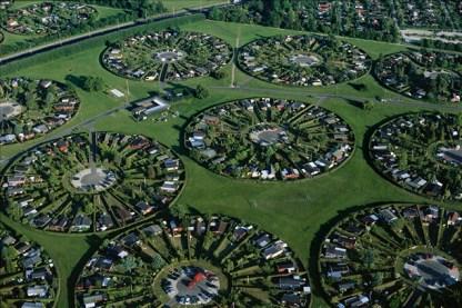 Lotissements à Brøndby, banlieue de Copenhague, Seeland, Danemark (55°34' N - 12°23' E).