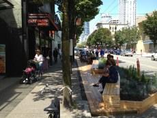 https://urbabillard.wordpress.com/2014/07/12/transformer-le-stationnement-jouer-avec-les-mots-et-reinventer-lespace-public/