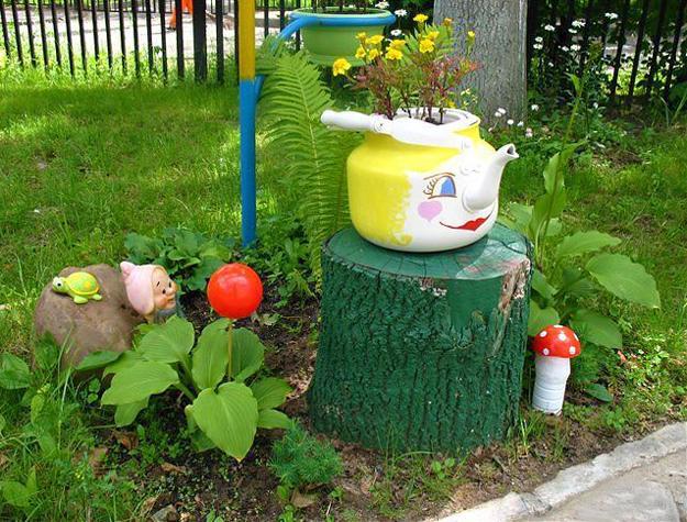 10 Small Handmade Yard Decorations for Creative Garden ... on Handmade Diy Garden Decor  id=94306