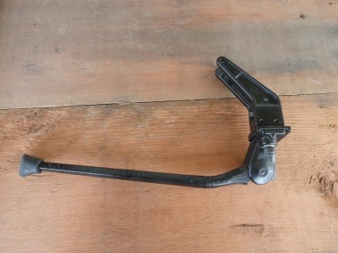Greenfield rear triangle kickstand.
