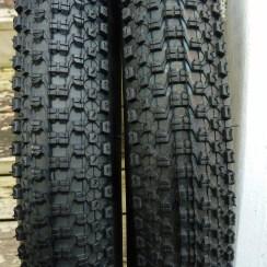 "Kenda Small Block Eight Sport tires, 26"" x 2.10"""