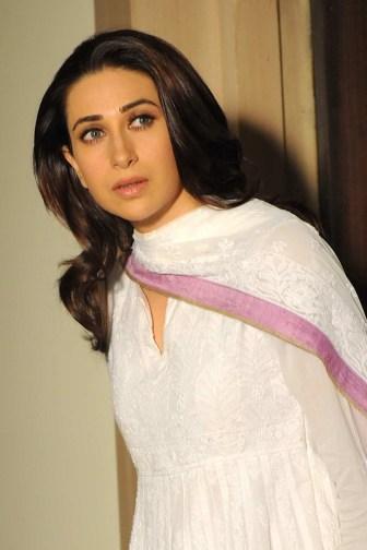 Karisma Kapoor in Dangerous Ishhq 04