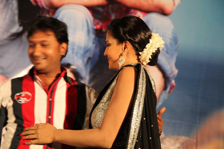 Hemant Madhukar and Veena Malik love birds