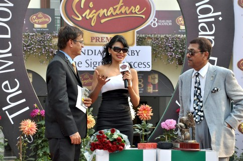 Sherlyn Chopra presents 'The McDowell No 1 Platinum Trophy' 03
