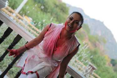 Veena Malik Playing Holi26