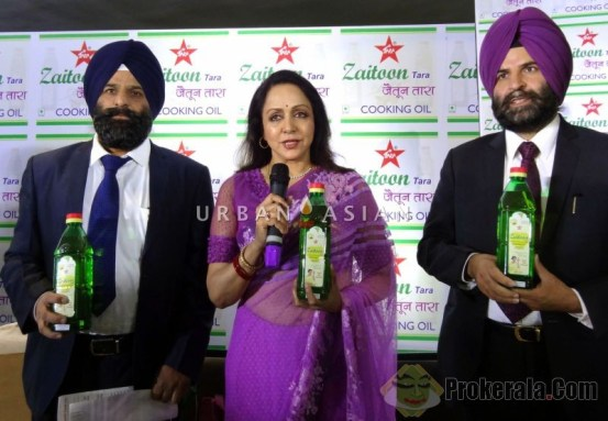 (L-R) Jawant Singh (CEO), Hema Malini(Brand ambassador and Balwant Singh(MD) , Launching zaitoon tara on 16th march