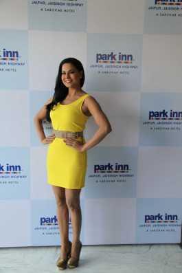 Veena Malik In Jaipur2