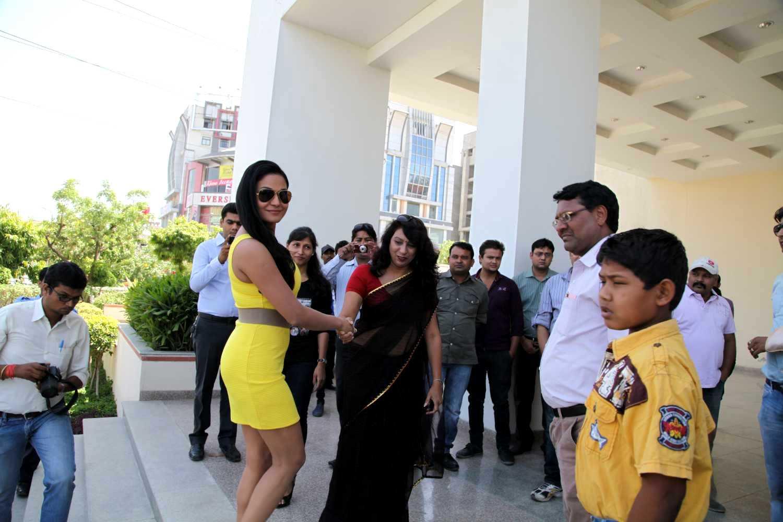 Veena Malik In Jaipur8