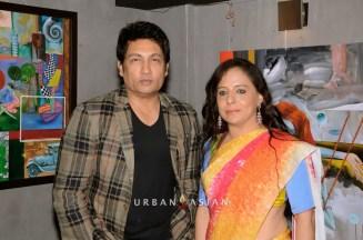 130613_190808Shekhar Suman With Sangeeta Babani Painting Exhibition
