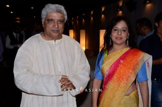 130613_191719Javed Akhtar With Sangeeta Babani At The Opening Of Myriad Feelings