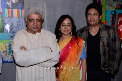 130613_211354Javed Akhtar, Shekhar Suman With Sangeeta Babani At The Opening Of Myriad Feelings