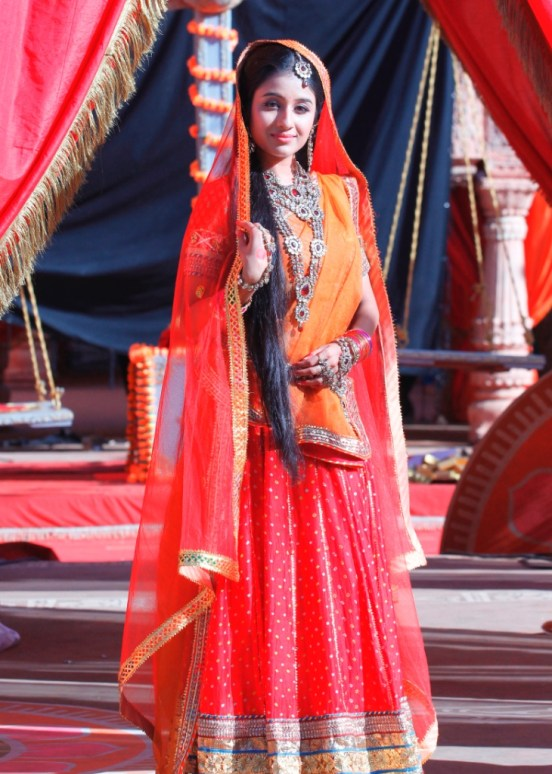 Paridhi Sharma as Jodha on Zee TV's Jodha Akbar