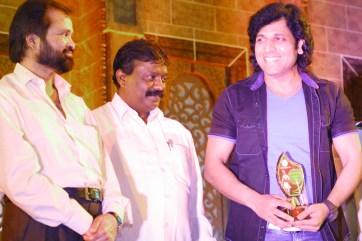 Rajan Verma Recieving award