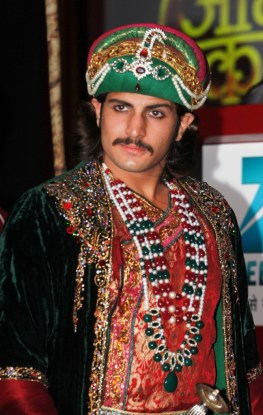 Rajat Tokas as Akbar in Zee TV's Jodha Akbar (1)