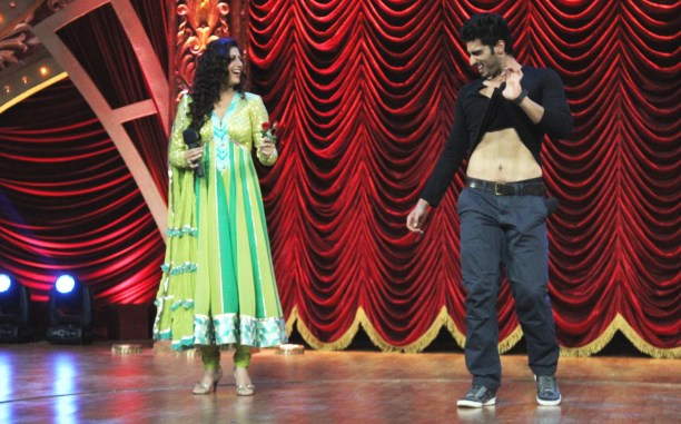 Shock and Awe -Arjun Kapoor shows off his abs