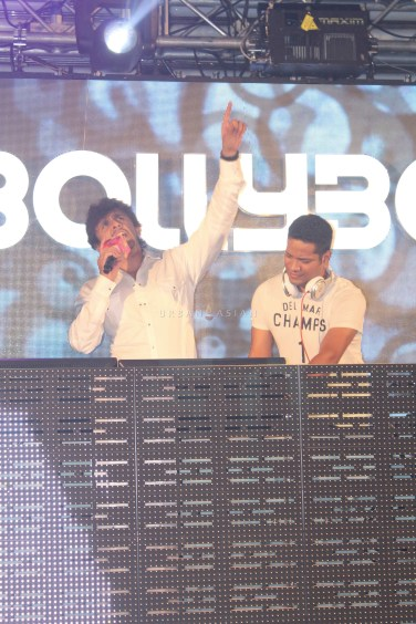 Sonu Nigam With DJ Llyod At Party