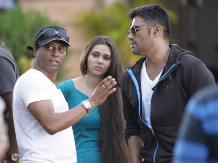 Sasha Agha Khan with Suneil Shetty and director Anand Kumar