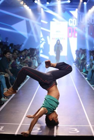 Sandip Soparrkar troups performing at Myntra fashion show6