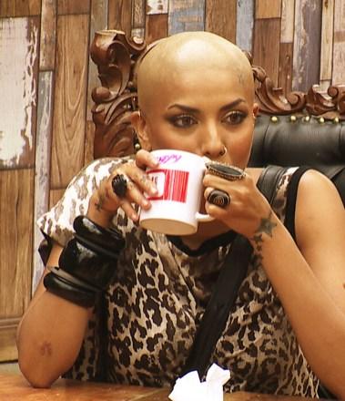Diandra Soares goes bald in Bigg Boss. - Pic 2