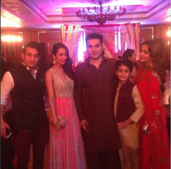 Salman-Khan-Sister-Arpita-Khan-Wedding-Photos-01884