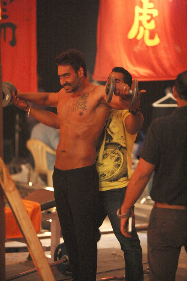 Ajay Devgn training on the sets (3)