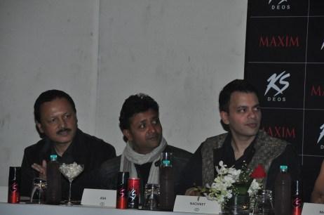 L-R, Jury Ranju Kumar Mohan,Ash Chandler , Nachiket Barve at KS Miss Maxim event