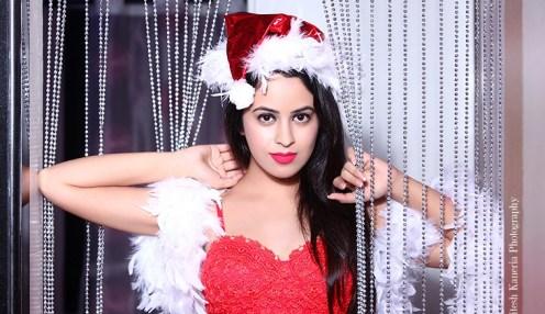 Shobhita Rana Sexy Santa.....