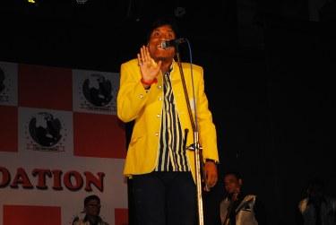 Comedian Raju Srivastav Entertain the Cancer Patient1