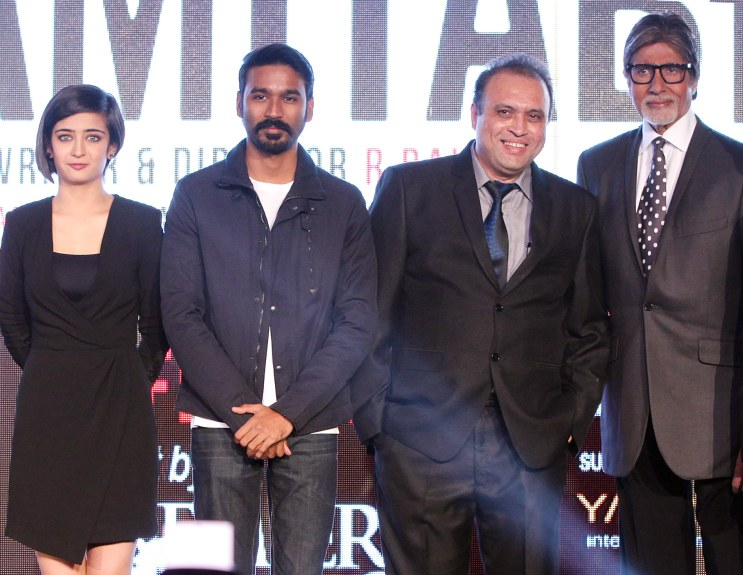 Mr. Amitabh Bachchan, Dhanush and debutante Akshara Haasan With Javed Shafi.......