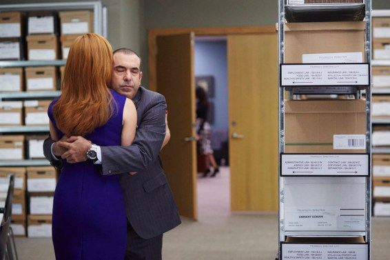 Louis gives Donna a hug