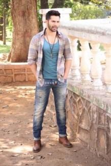 Varun Dhawan on sets of 'Savdhaan India'