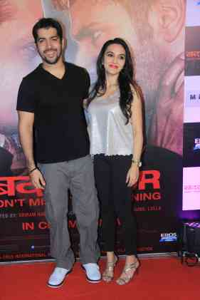 Rohit Dhawan and Janvi Dhawan at the success bash of Badlapur at sofitel bandra (18)