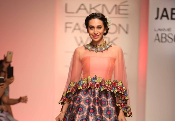 Showstopper Karisma Kapoor walks for Neha Agarwal at Lakme Fashion Week SR 15