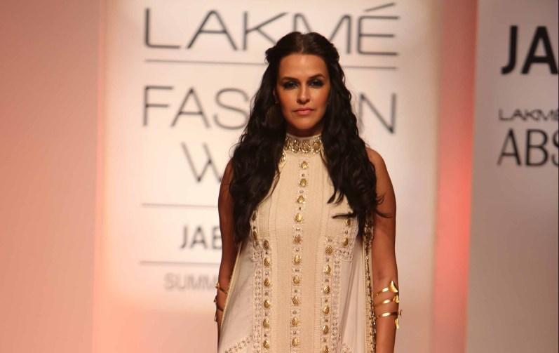 Showstopper Neha Dhupia walks for Sonu Dharnidharka